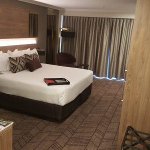 Rydges South Bank Accessible bedroom photo 1