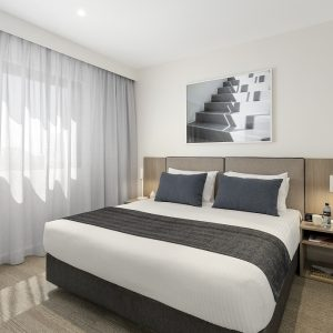 quest-joondalup-king-size-bed